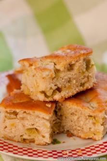 Ātrā un vienkāršā rabarberu kūka