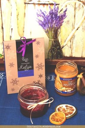 Tējtasītes janvāra favorīti, aromatizētā kafija ar vaniļu un kanēli, Nuteko krēmīgais zemesriekstu sviests un dzērveņu medus