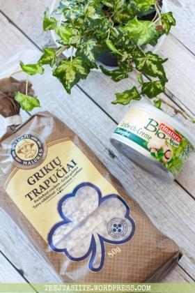 Rinatura vegānu pastēte ar šampinjoniem un griķu sausmaizītes